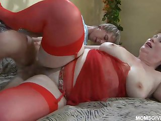 Skinny youngster Benjamin fucks chubby aunt