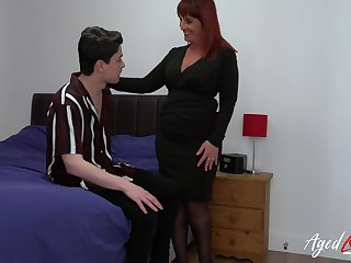 Older mature lady got so horny she convinced youngster to fuck her