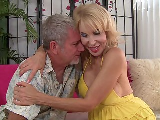 hairy pussy mature Erica Lauren doesn't need more than one dick for the cum