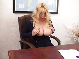 Whorish chubby bookkeeper Lucy Gresty is toying her snatch on the table