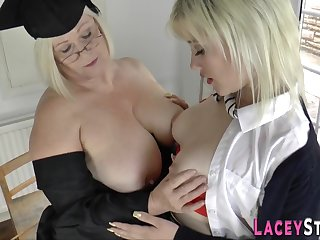 Grandma licks blond hair girl rump - mom