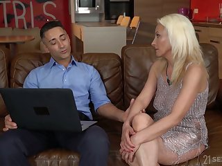 Blond cougar Szandi serves her young lover at the highest level